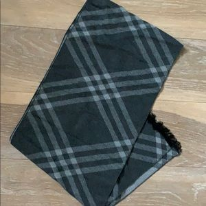 Other - Brand new Burberry style scarf